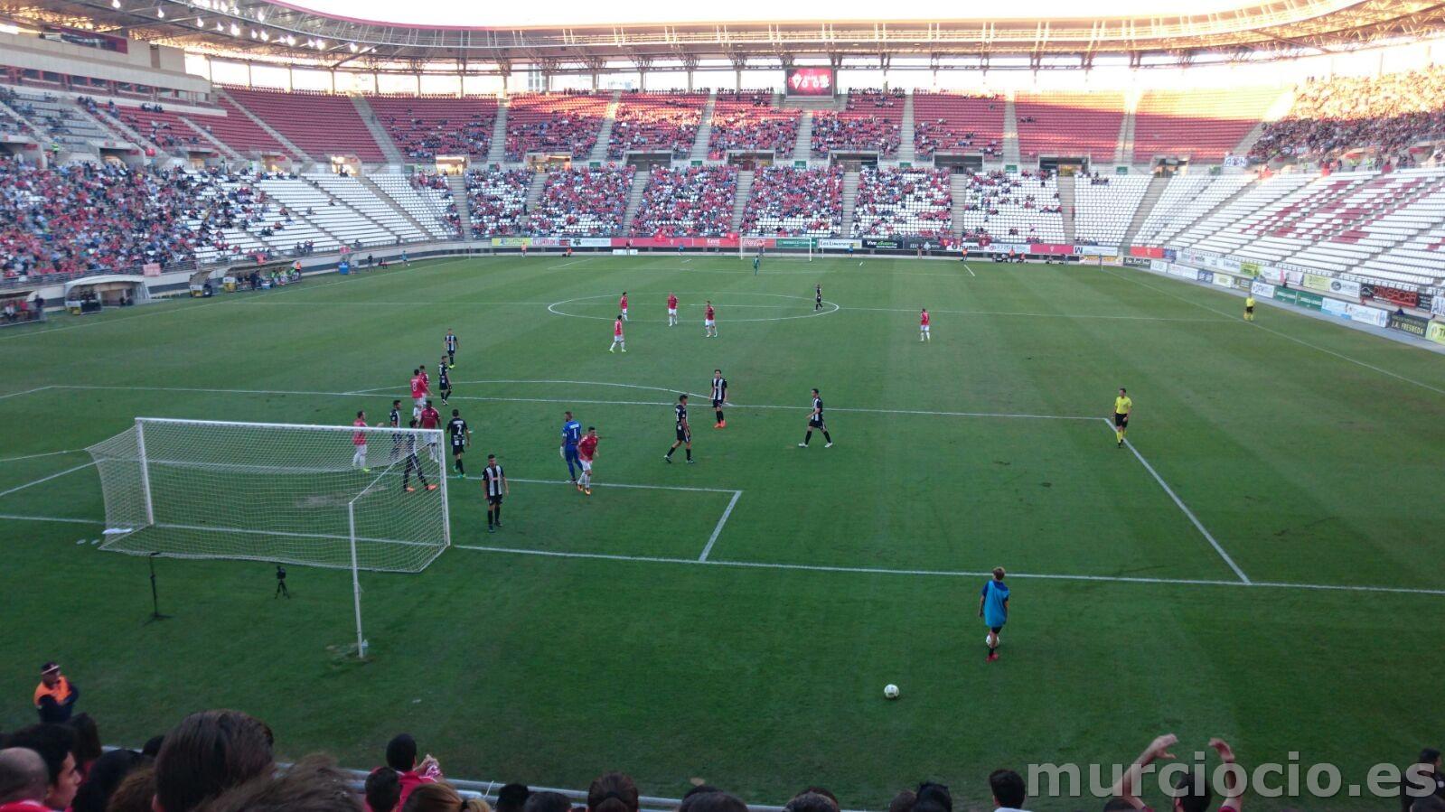 El esperado derbi regional entre Real Murcia y Cartagena finalizó con un  empate sin goles en un partido que pese a la ausencia de los mismos deparó  momentos ... 19159135e6784
